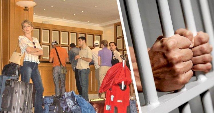 Yunanistan'da Turistler 30 Kasıma Kadar Otellere Kapatıldı
