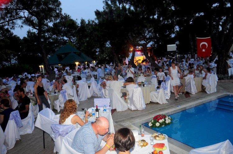 Antalya 90 Ülkeden Yabancıları Ağırlıyor